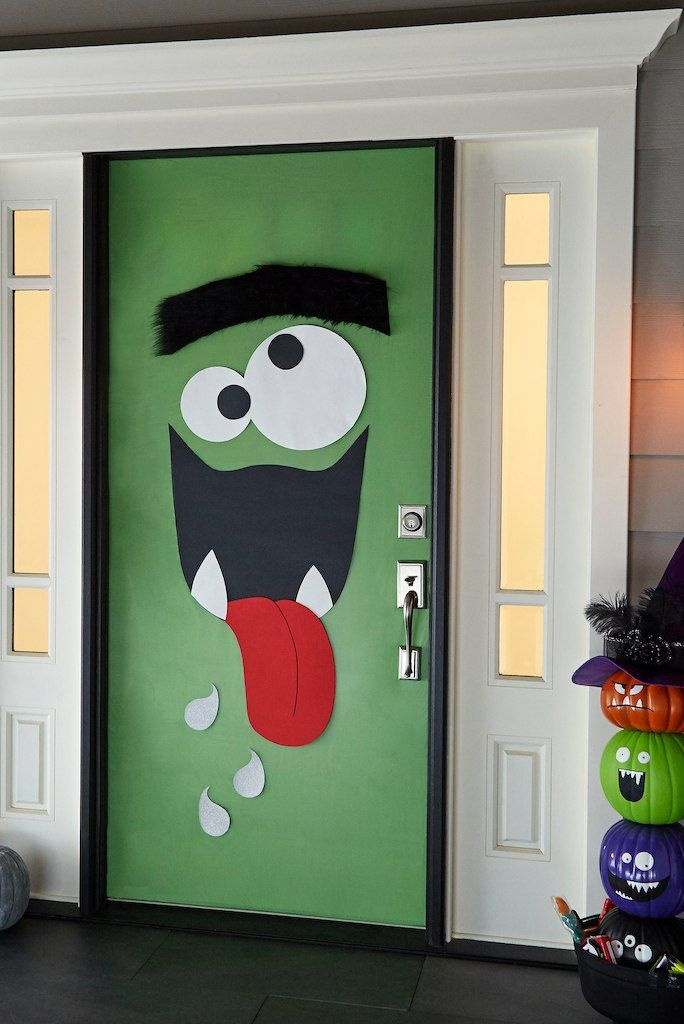 34 Best Halloween Door Decorations You Can Diy In No Time Halloweendoordecor In 2020 Halloween Classroom Door Decor Diy Halloween Door Decorations Halloween Door Decorations