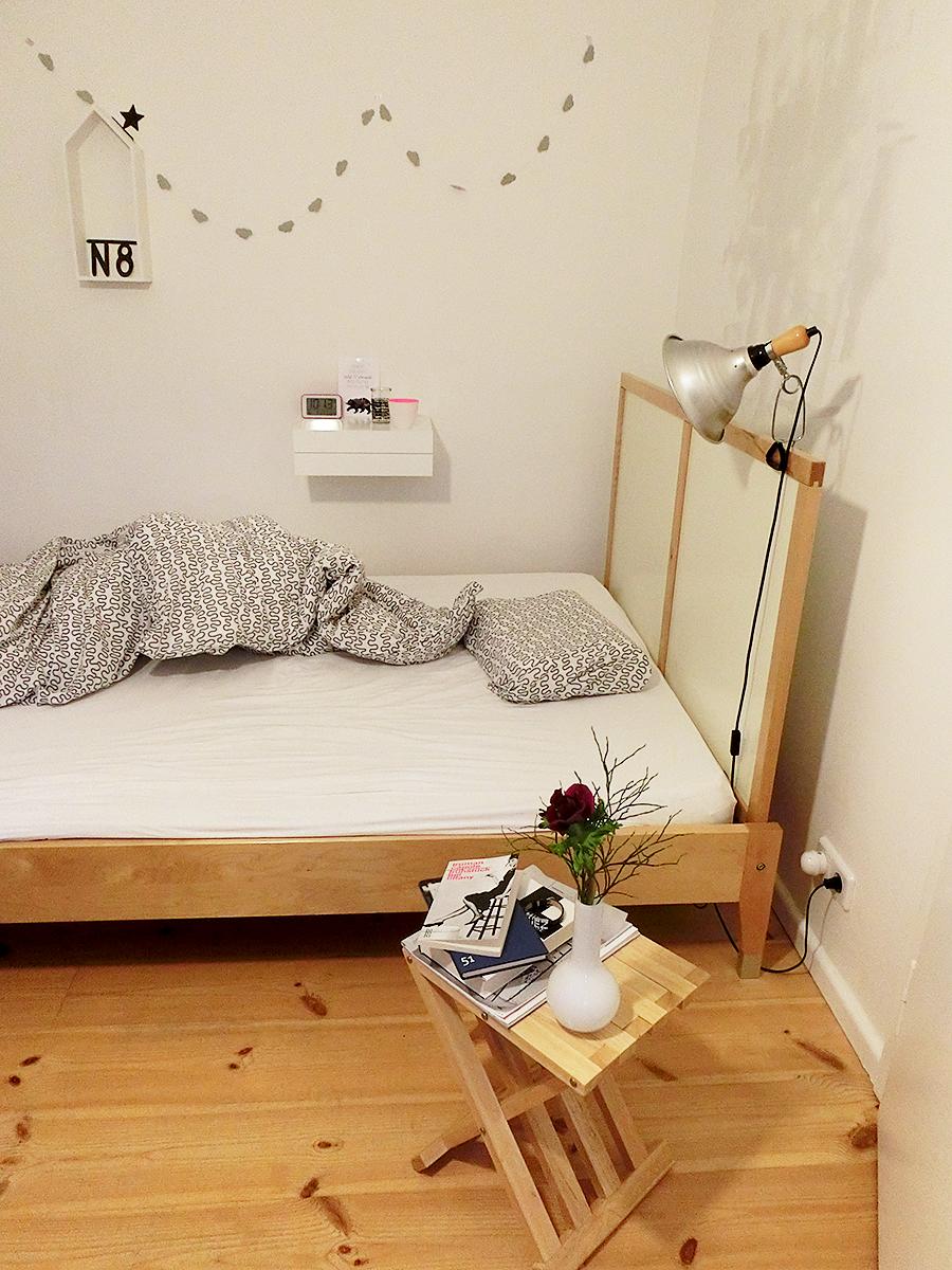 gute nacht. Black Bedroom Furniture Sets. Home Design Ideas