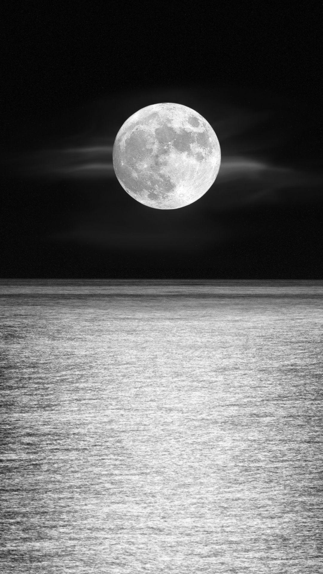 Moonlight Over The Ocean Earth Moon Black White Horizon Moon Moonlight Ocean 1080x1920 Mobile Wallpaper Iphone Wallpaper Sky Black Wallpaper Ocean At Night
