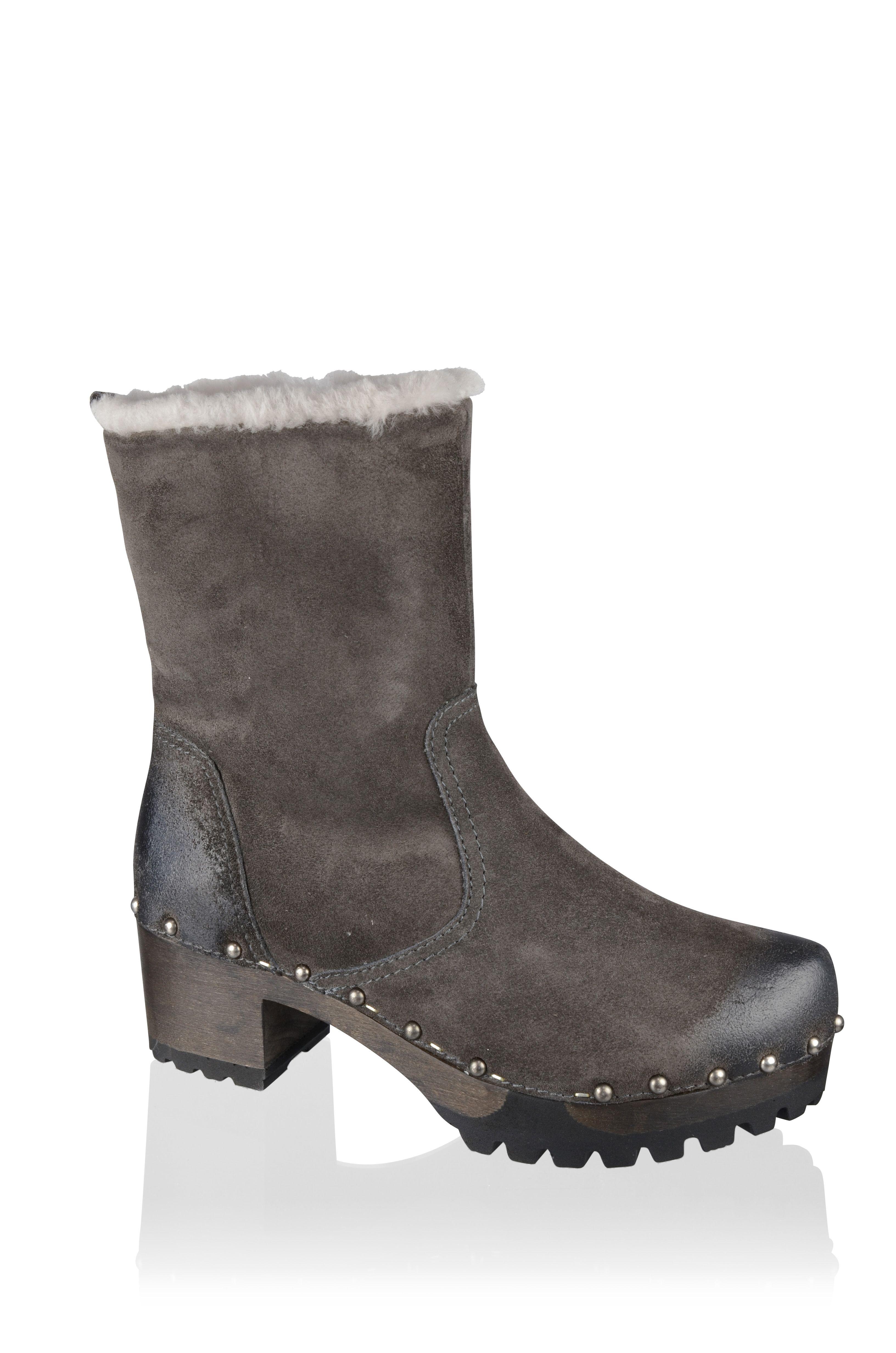 Ina, Bailey, lava #softclox #munich #lampwool #lava #woddensole #darksole #winter #wintershoes #veloursleather #wood #shoes #clogs