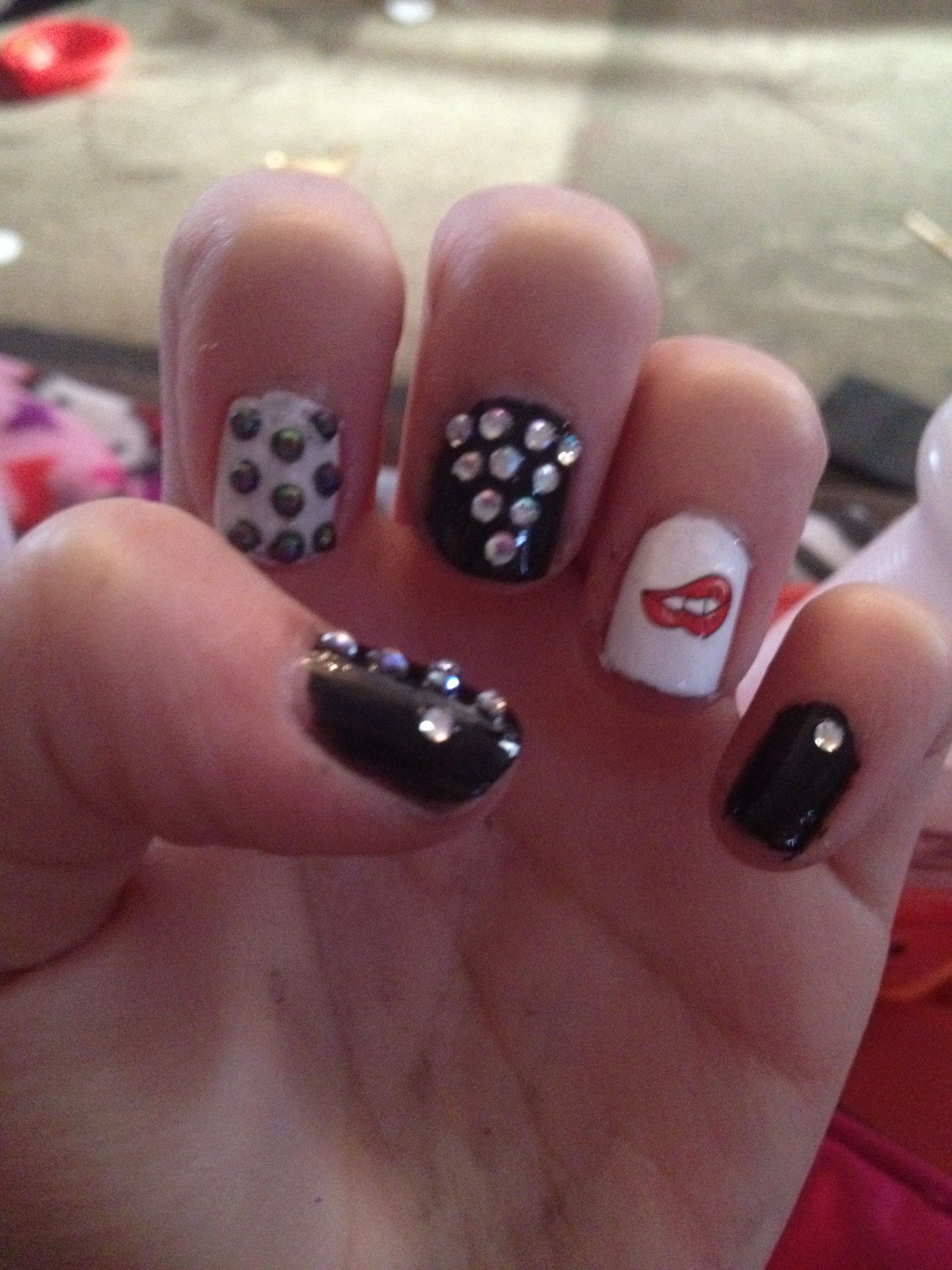 Cute lips and diamond nails