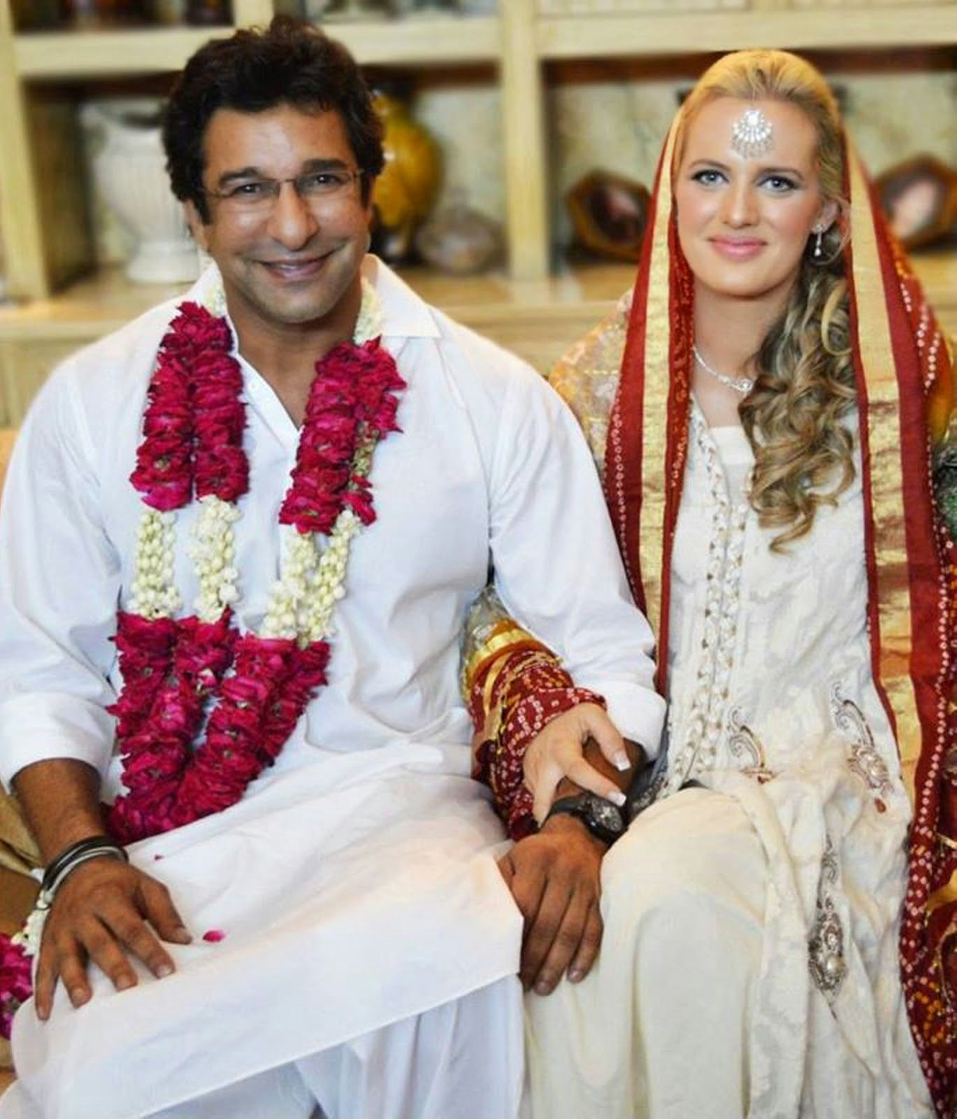 Wasim Akram Marries Aus Friend Shaniera Thompson Legendary Bowler Has Married His In Stan