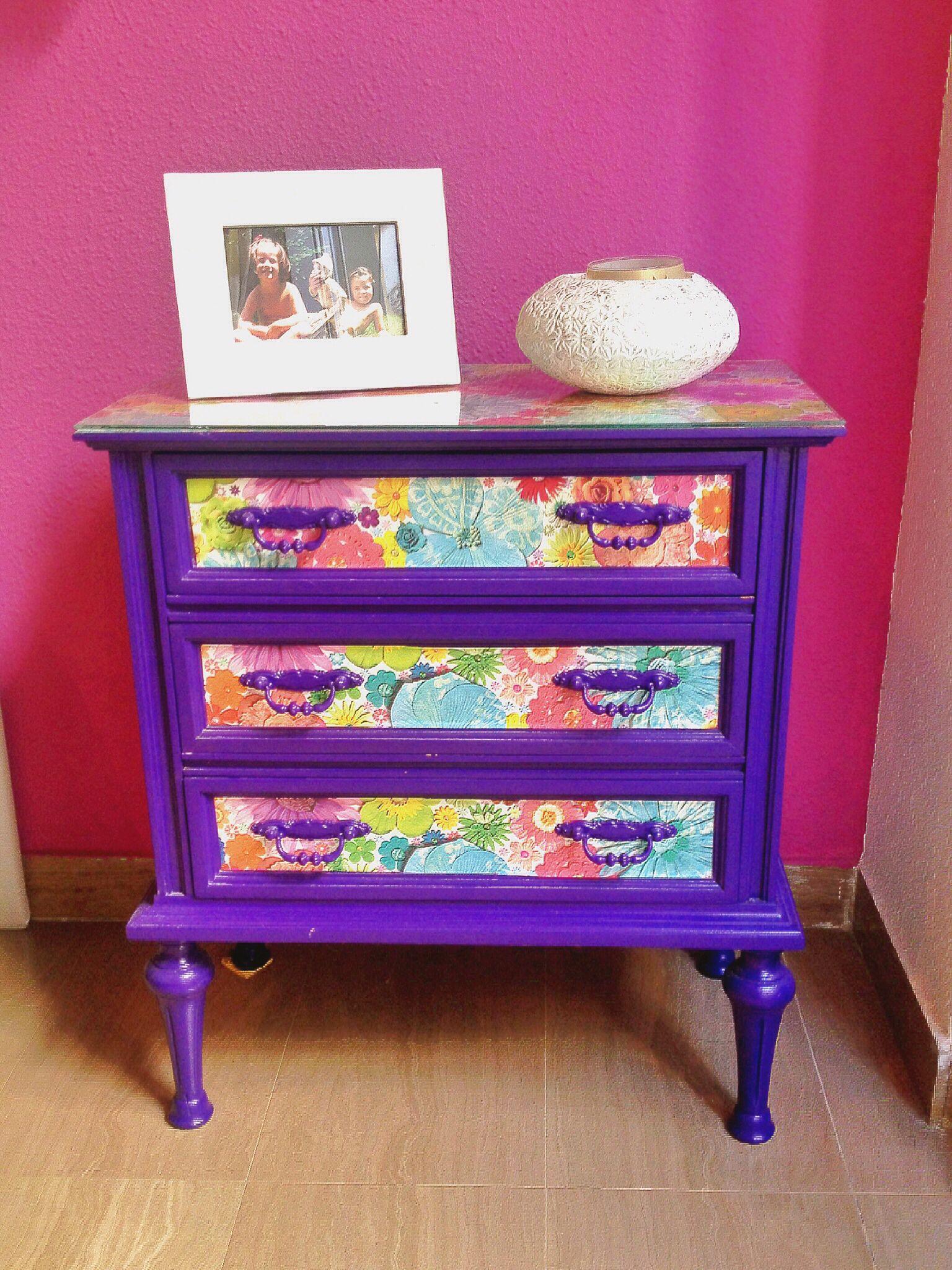 Mesita De Caoba Antigua Decapada Lijada Y Pintada Con Color  # Muebles Empapelados