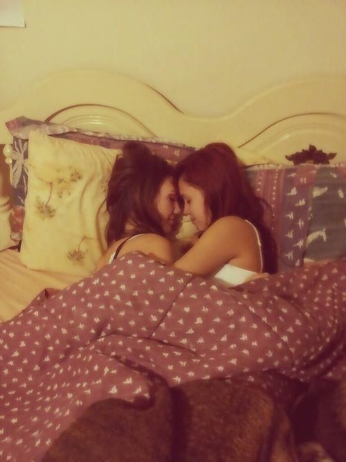 Lesbian pictures wow