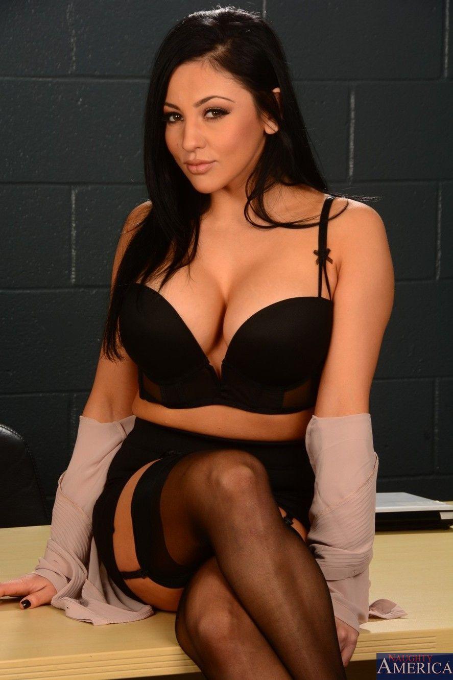 Sexy girlfriend audrey bitoni taking a large dick 2