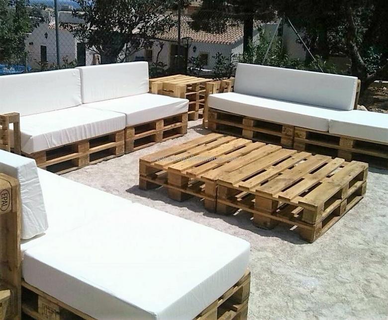 Recycled pallet garden furniture pallet idears for Mobiliario de terraza ikea