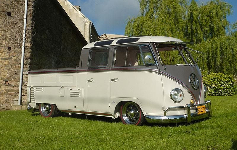 Double cab...check out the the corner roof windows. Ain't seen that before!