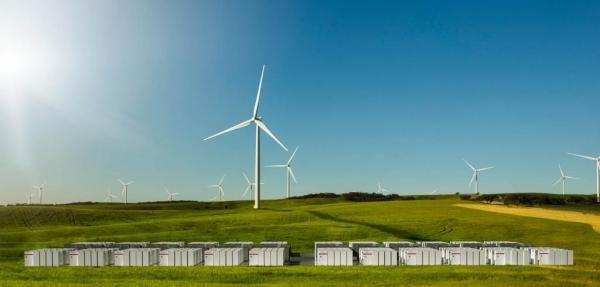 Tesla Has Completed Construction Of Its Giant Lithium Ion Battery In Australia Tesla Renewable Energy Big Battery
