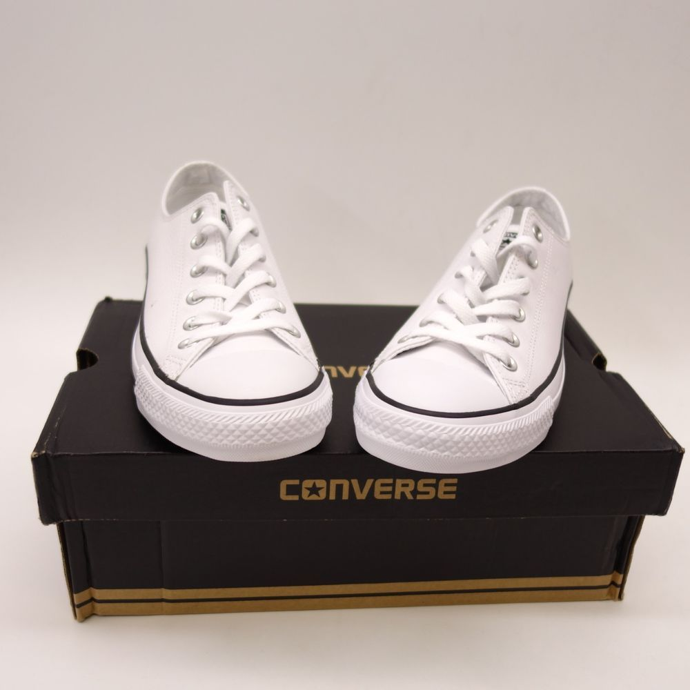 805883c34777 New Converse Womens Solid White Chuck Taylor Low Leather Oxford Shoes Size  9  Converse  Comfort