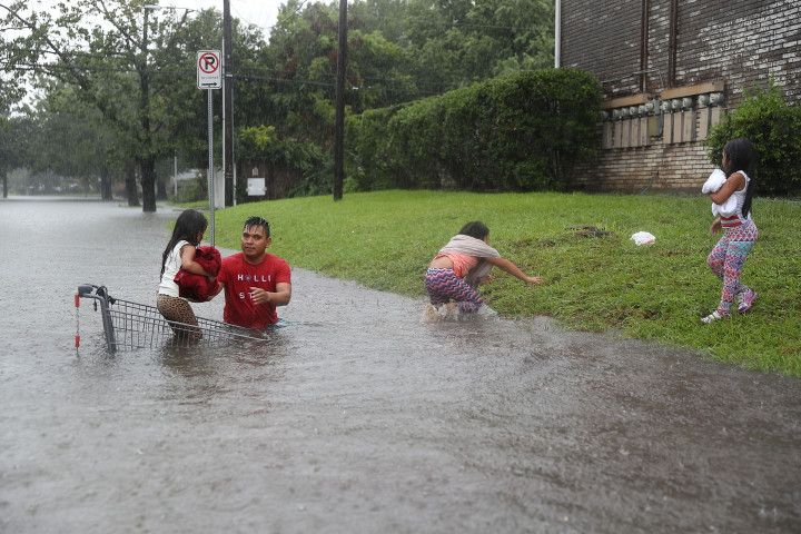 Here's How You Can Help the Victims of Hurricane Harvey http://trib.al/0gTE7dd