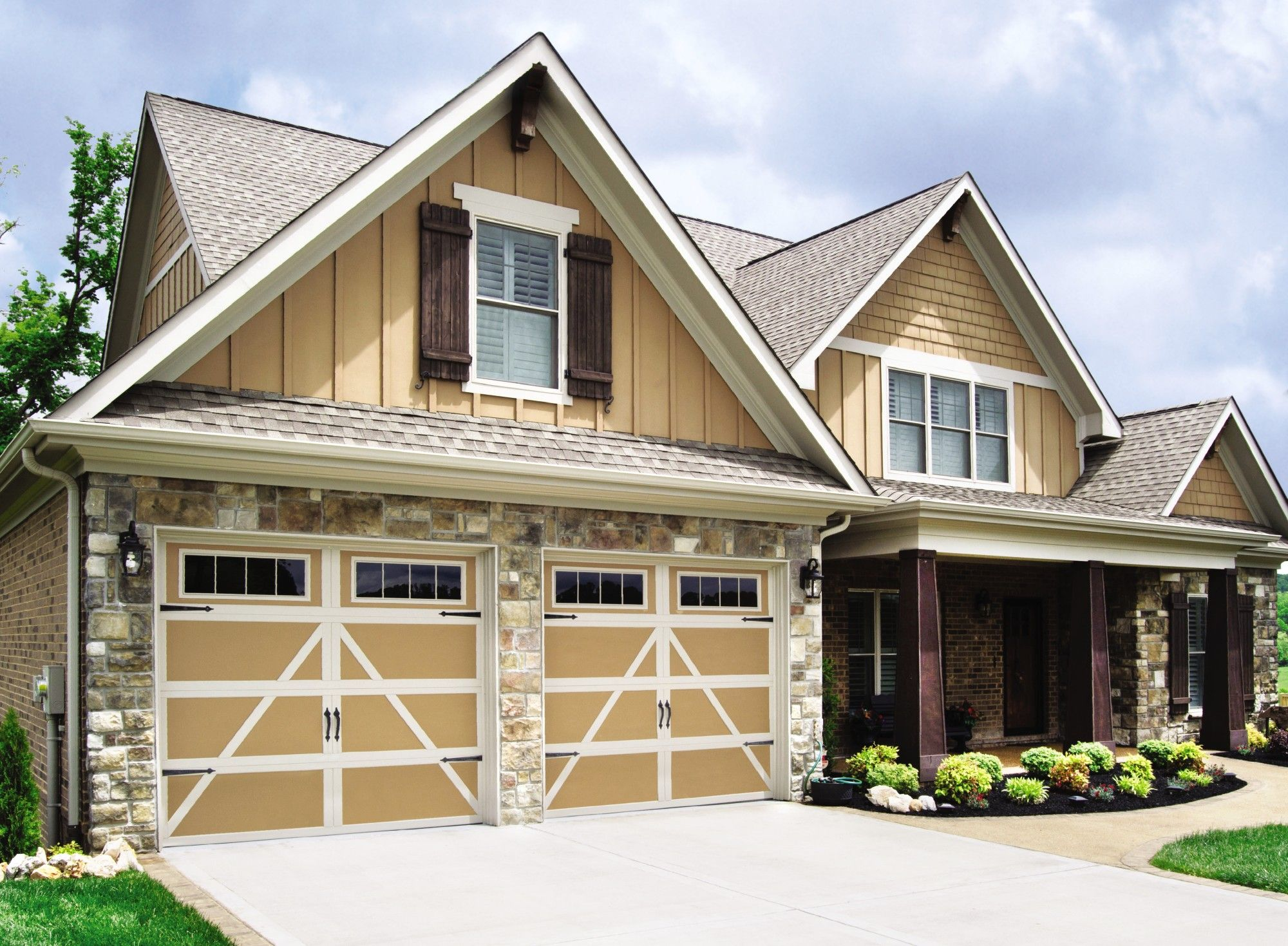 Garage doors from wayne dalton model 9405 is a carriage for Residential home styles