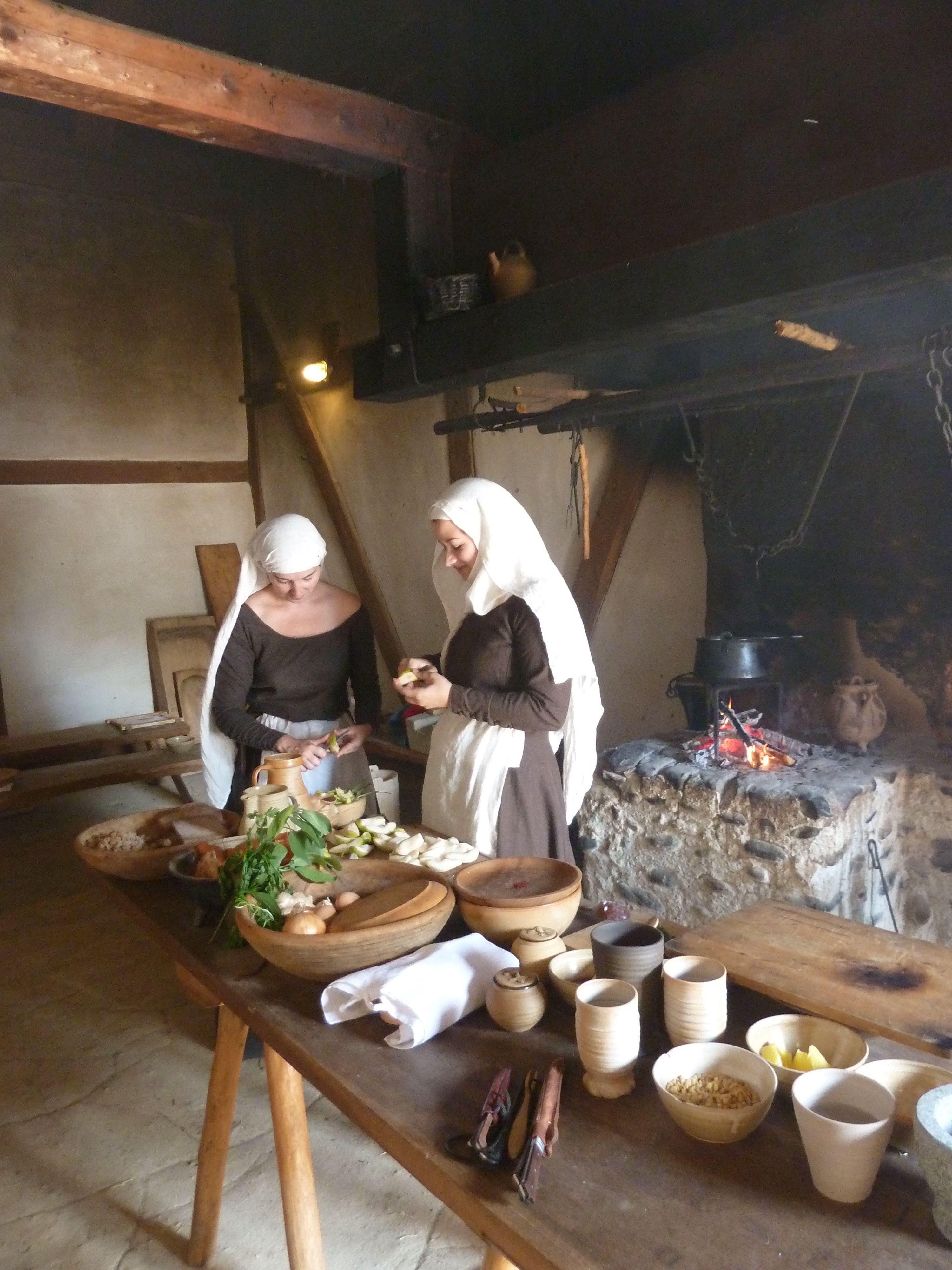 Küchenarbeit. (c) vrouwen maere.