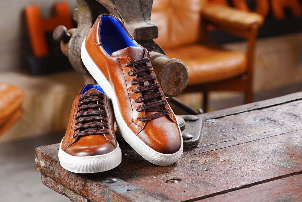 sneakers #groomsneakers #fashionsneakes #shoes #castano