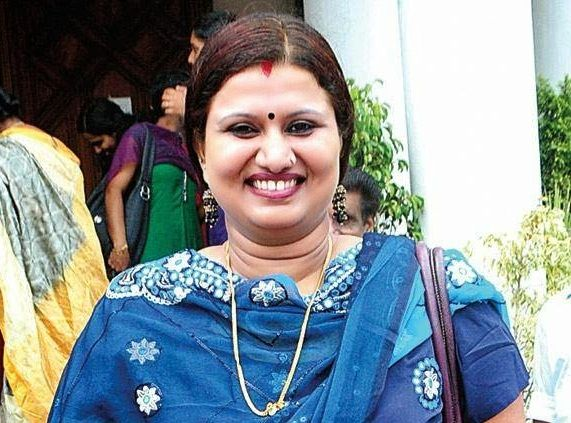Devi Chandana is a Malayalam TV serial actress, movie actress, dancer, singer, and stage performer. She was born and brought up in Kerala.