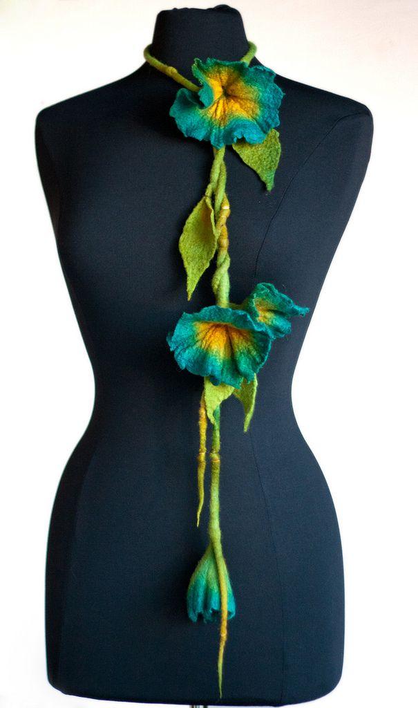 Felted flower necklace/scarf #felting