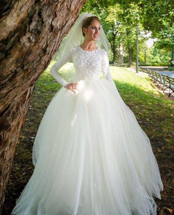 Custom bridal gown by Frady\'s Dressmaking #tznius | Modest (Tznius ...
