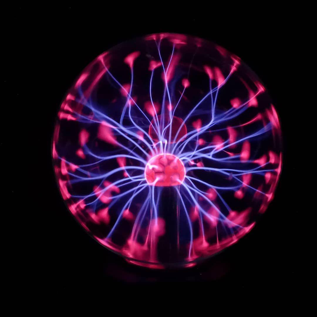 Plasma Ball Movement Axcmovement Plasma Plasmaball Science Light Movement Ball Scienceporn Plasma Ball Movement Axcmovement Plasma Plasma Globe Ball