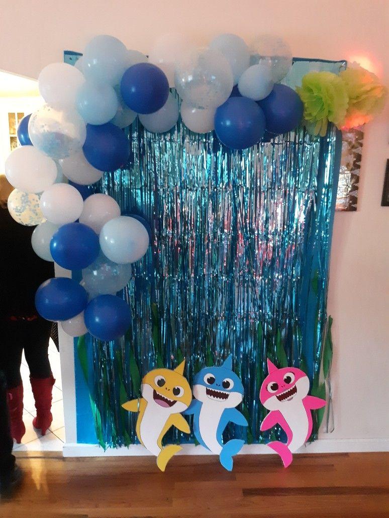Baby shark back drop with balloon garland Shark theme