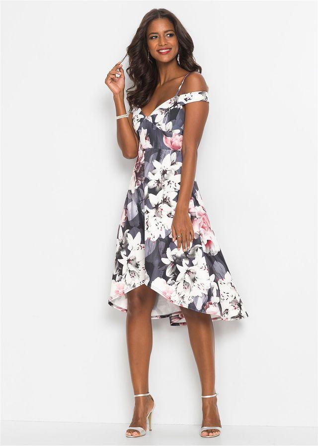 16e56d39e9 27 Best Alkalmi ruha images   Fashion styles, Boutique, Dress blues