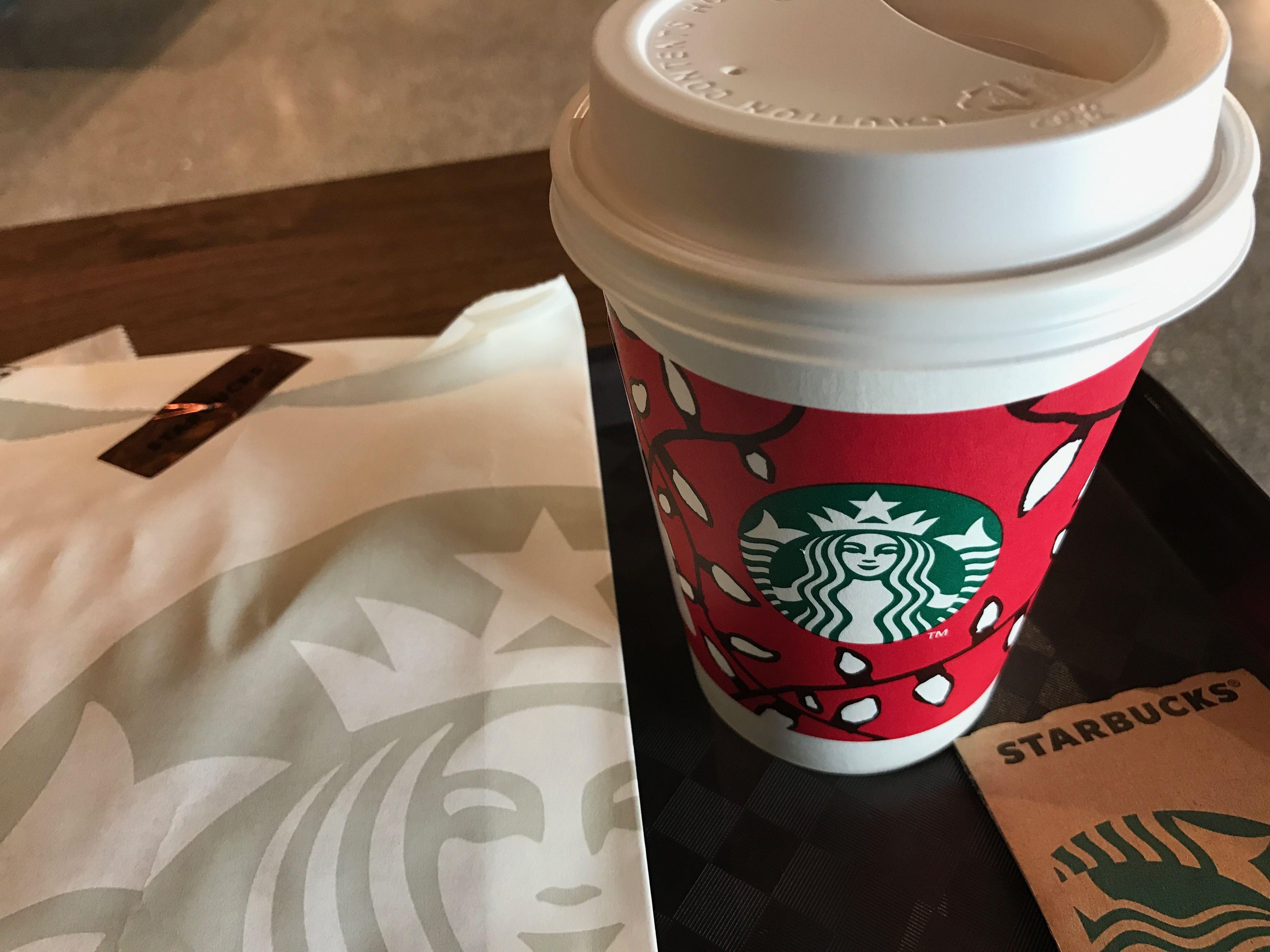 Flat white @ Starbucks Shanghai Disneytown
