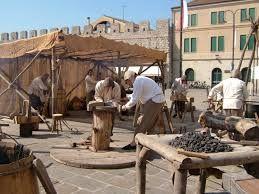 Resultado de imagem para medieval marketplace