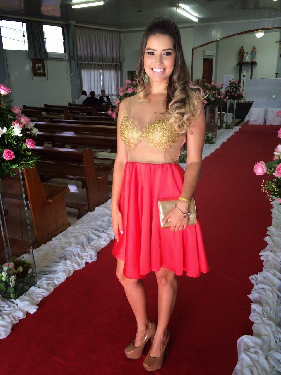 Vestido de Festa com renda dourada e tela