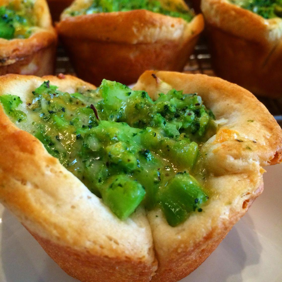 Broccoli cheddar cups