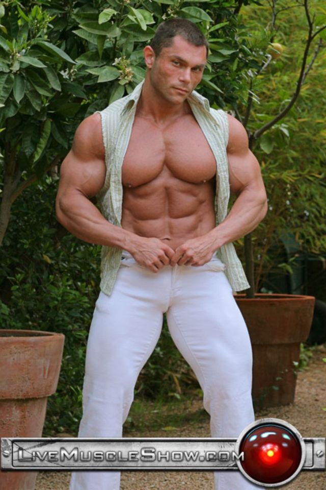 Naked muscle show live bodybuilders