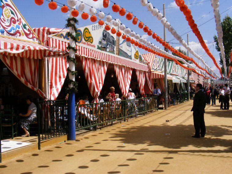 10 Most Famous And Popular Festivals Of Spain Ekstrax Feria De Sevilla Feria De Abril Sevilla Sevilla