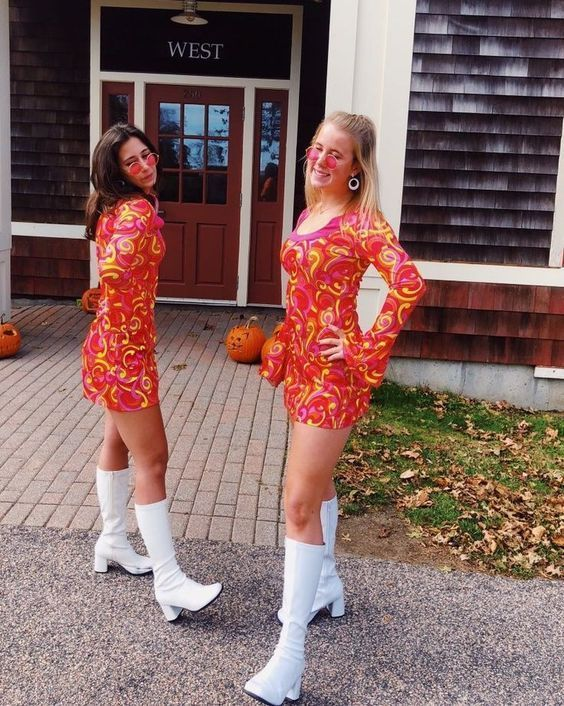 50+ Cute BFF Halloween Costumes That You And Your