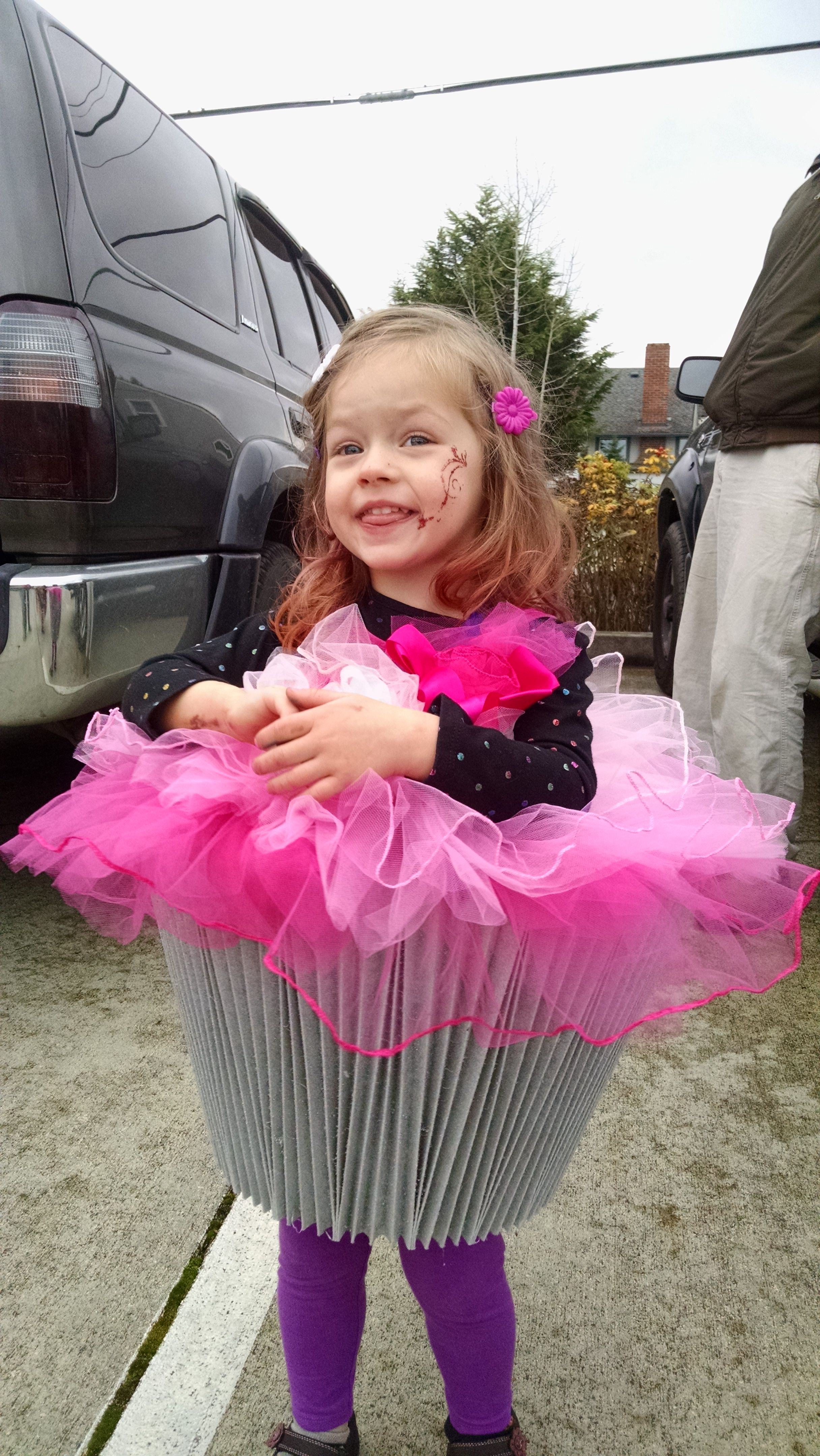 Toddler (well 3 year old) cupcake costume. Spray painted l& shade (cut  sc 1 st  Pinterest & Toddler (well 3 year old) cupcake costume. Spray painted lamp shade ...