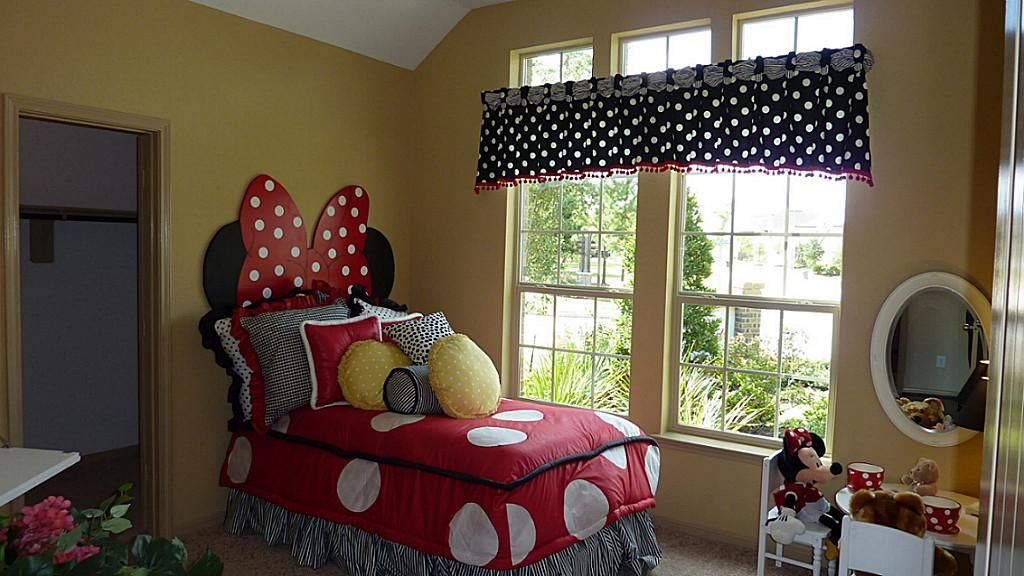 Minnie Mouse Room For Marilyn Grace