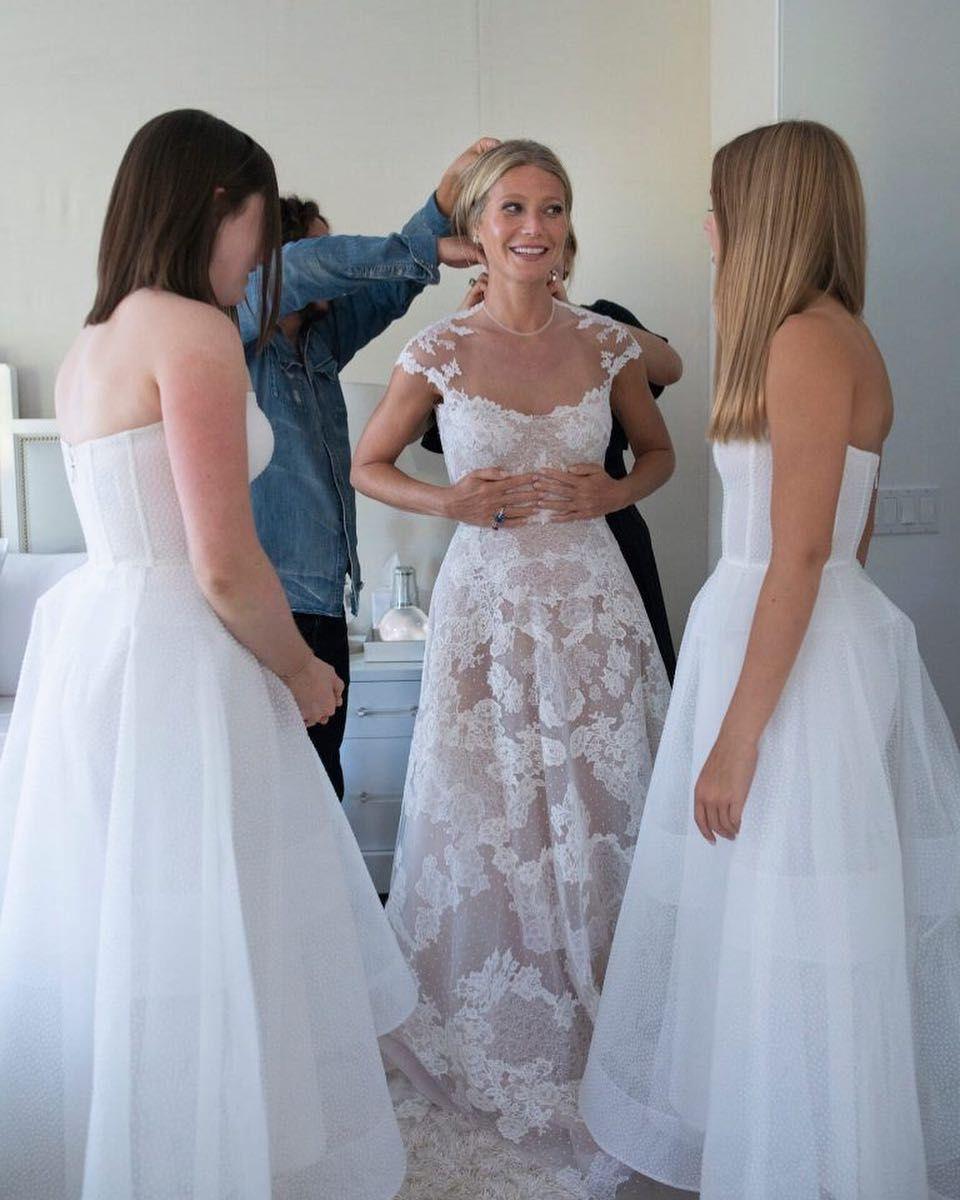 Gwyneth Paltrow in ihrem massgeschneiderten Hochzeitskleid von