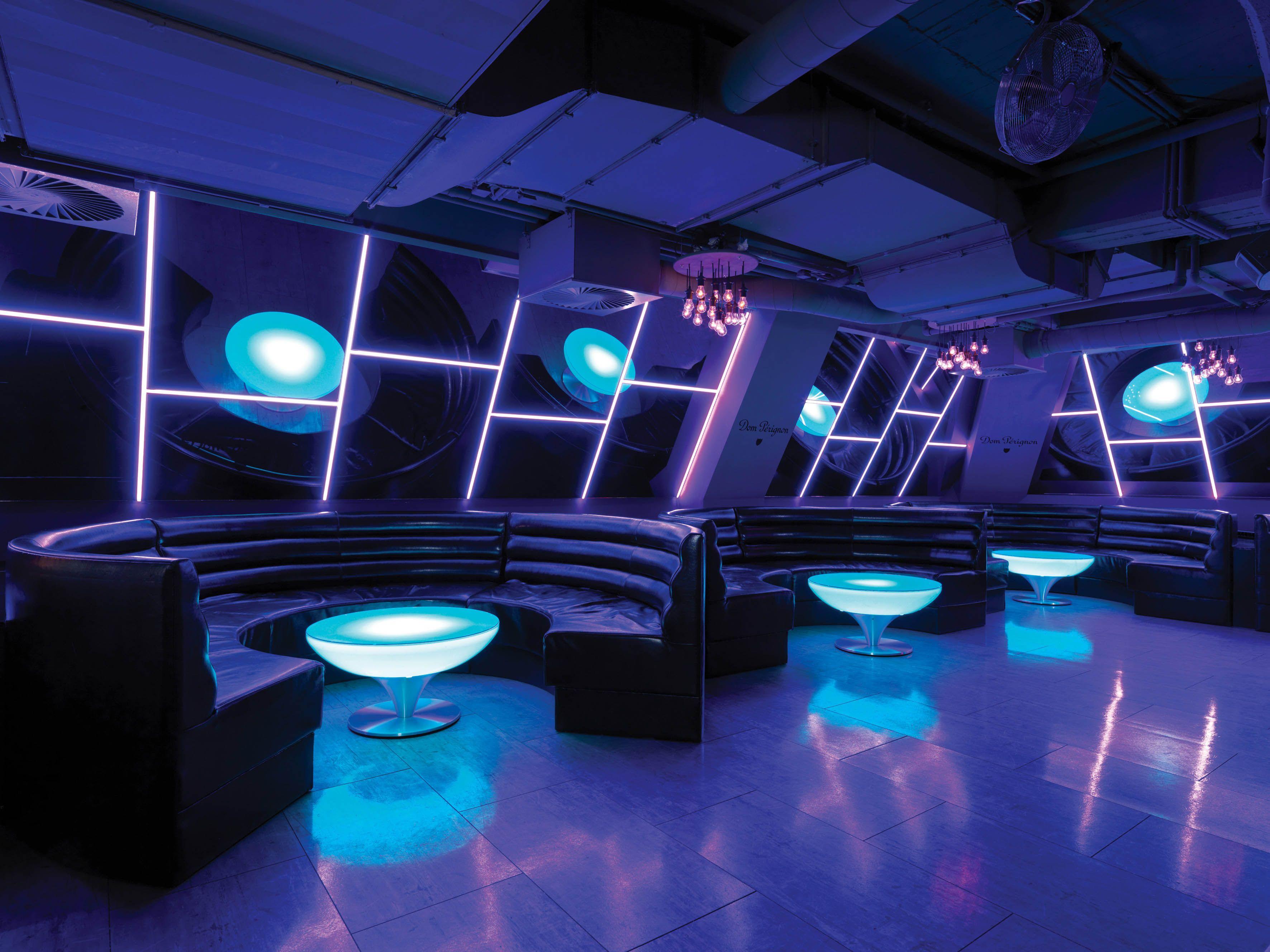 07 09 04 Lounge 45 Led Pro Accu Blue X3 Reduced Size Jpg 3543 2657 Hookah Lounge Decor Nightclub Design Lounge Design