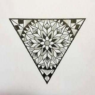 460aa182eff76 triangle mandala | Tattoo Ideas | Mandala tattoo, Triangle tattoo ...