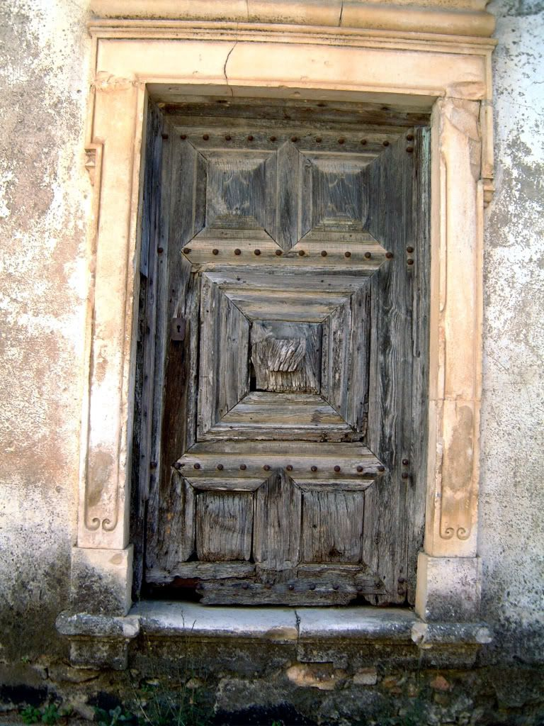 Venda Nova - Old Church Door