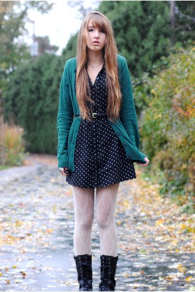 Black-hearts-thrifted-dress-white-lace-target-tights-black-braided-h-m-belt