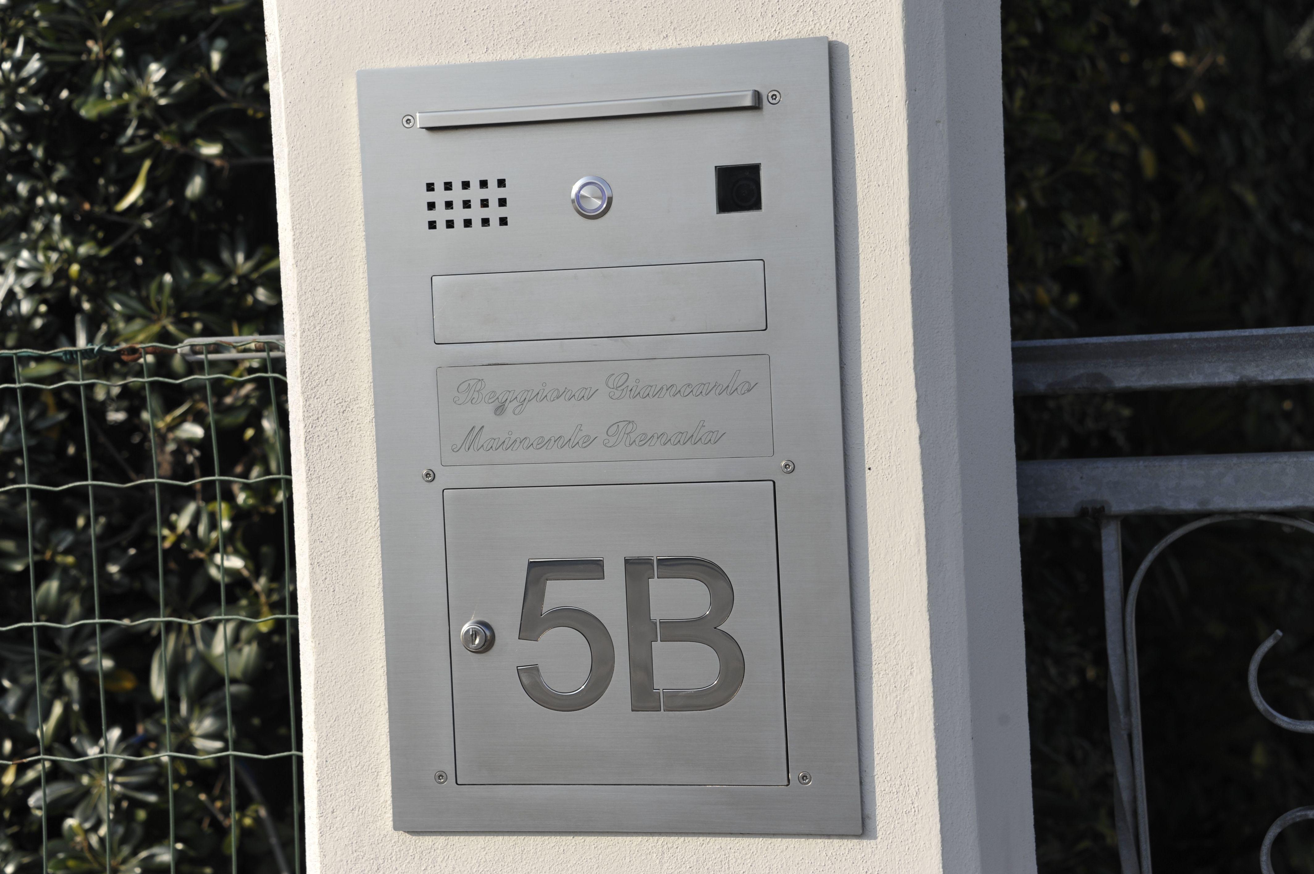 Cassetta Postale Dotata Di Luce Porticina Per Mettere E Prendere