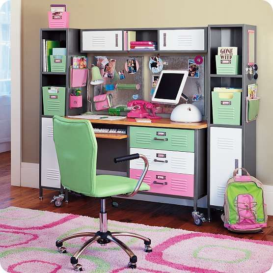desk for girls room | every teenage girl needs a place to be