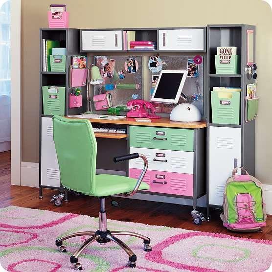 Originales escritorios para los mas pequeos Desks Room and Barn