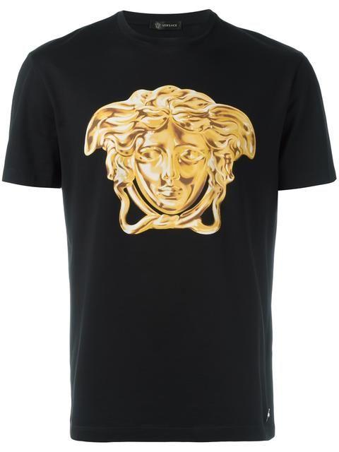 a76d68477 Versace Camiseta com estampa | Clothing & Accessories in 2019 | Roupas