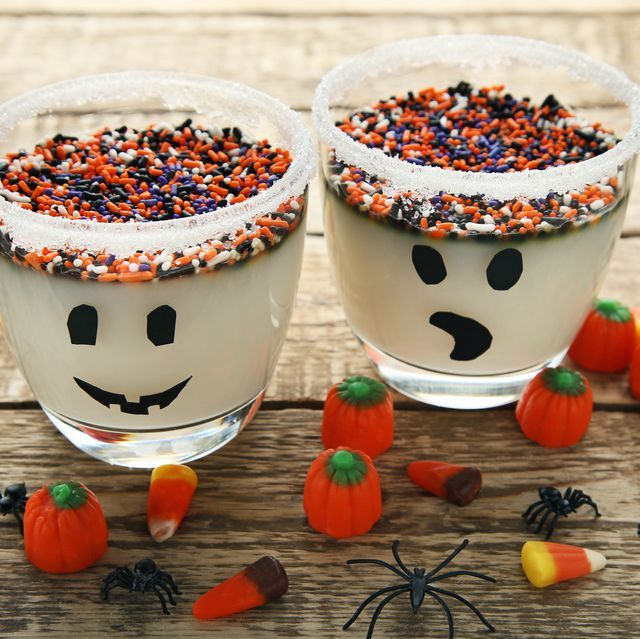30+ Halloween Jell-O Shots to Bring the Boos to Your Halloween Party #halloweenjelloshots