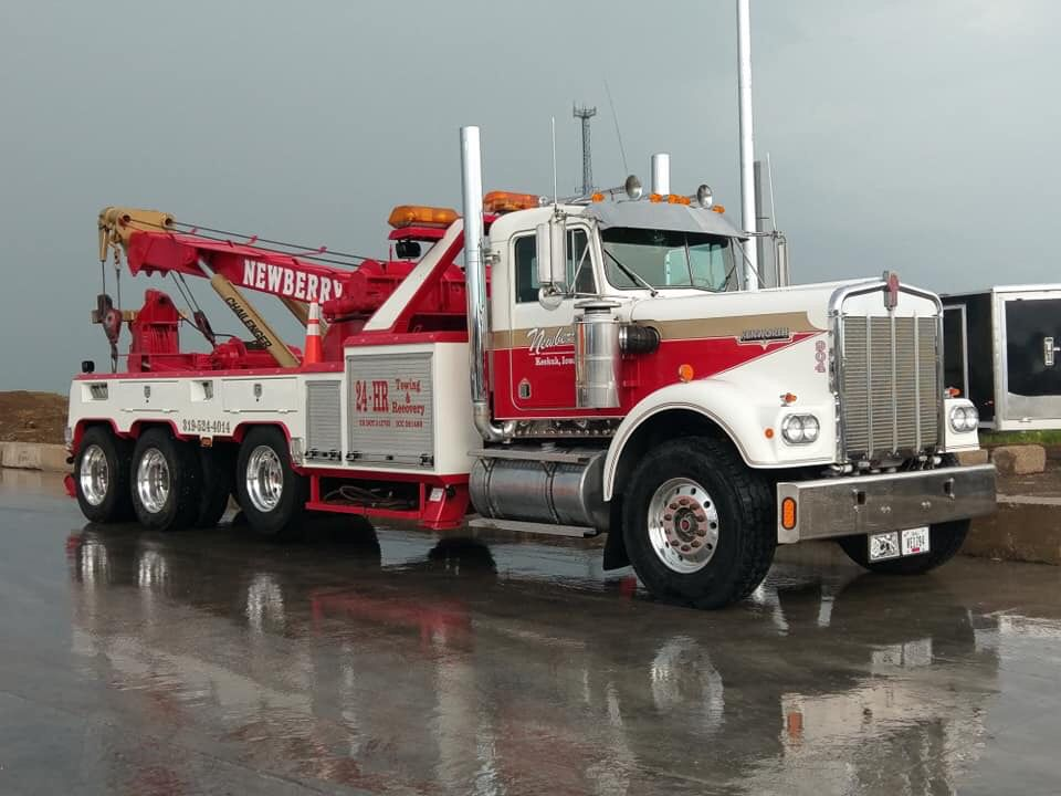 Newberry Towing And Recovery Keokuk Ia Kenworth W900a W Challenger Unit With Images Towing And Recovery Kenworth Trucks Big Rig Trucks