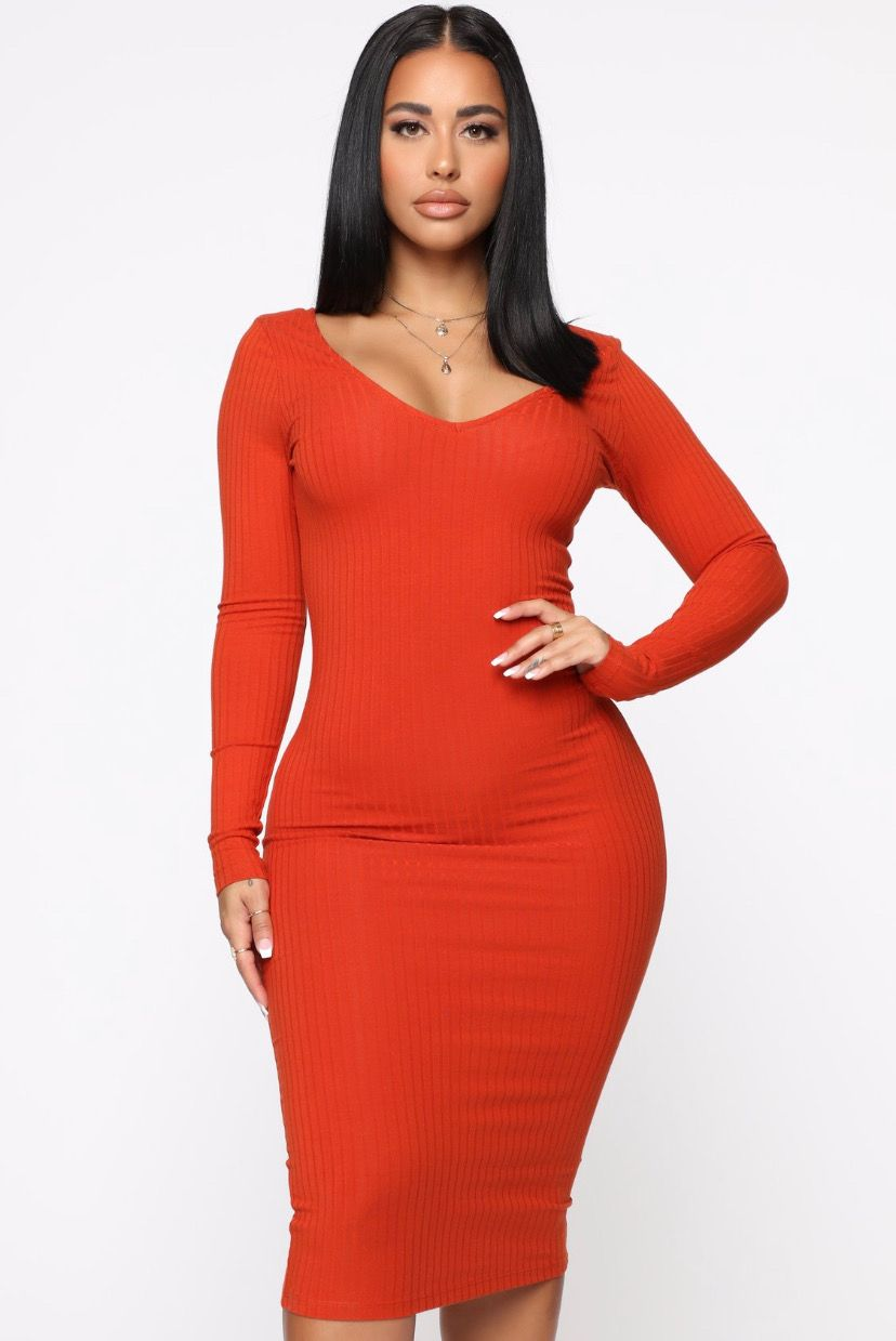 Stephanie Rao Fashion Nova Dress Rust Dress Fashion [ 1239 x 828 Pixel ]