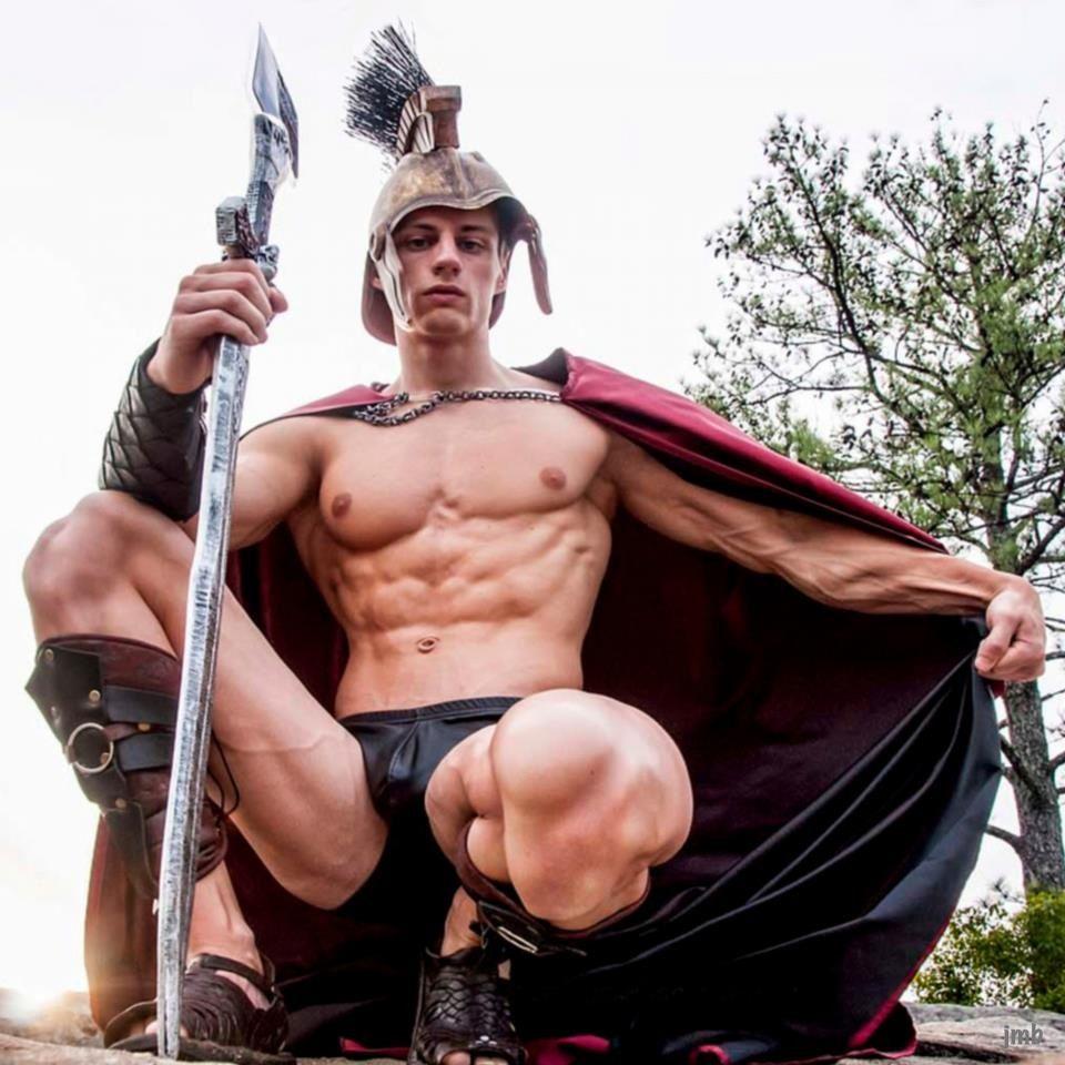Над Стивеном, гладиаторы геи отчетливо слышал
