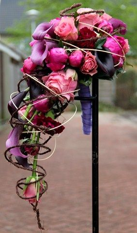 purple and pink weddingbouqet