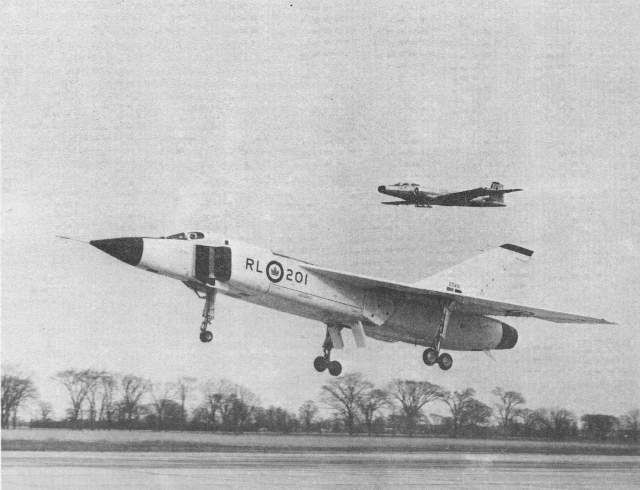 Avro Arrow (RL-201) (landing with RCAF Sabre fighter chase