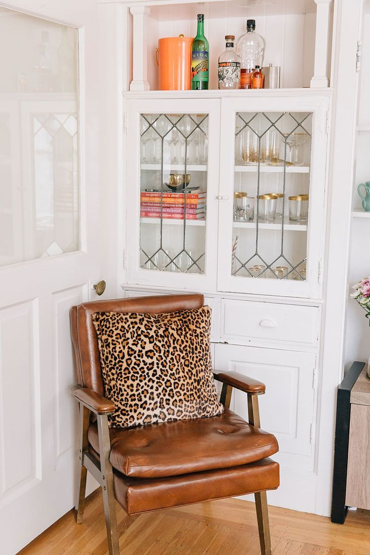 Julia Goodwin\'s San Francisco Home Tour | Side chair, Pillows and ...