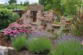 bildergebnis für steinmauer als sichtschutz im garten | garten, Gartenarbeit ideen