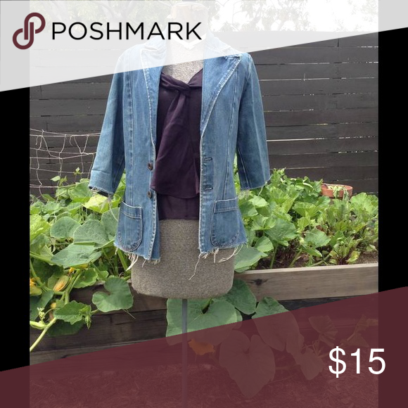 Cute VINTAGE jean Jacket Good condition size sm/m Jackets & Coats Jean Jackets